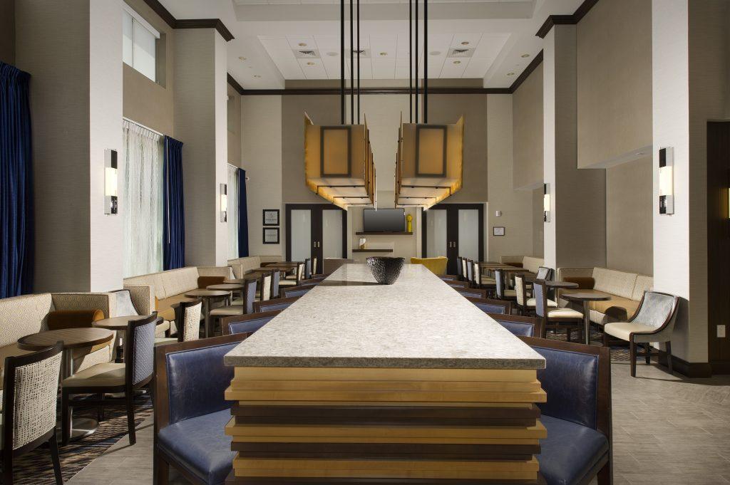 Hampton Inn and Suites Falls Church VA Dining seating