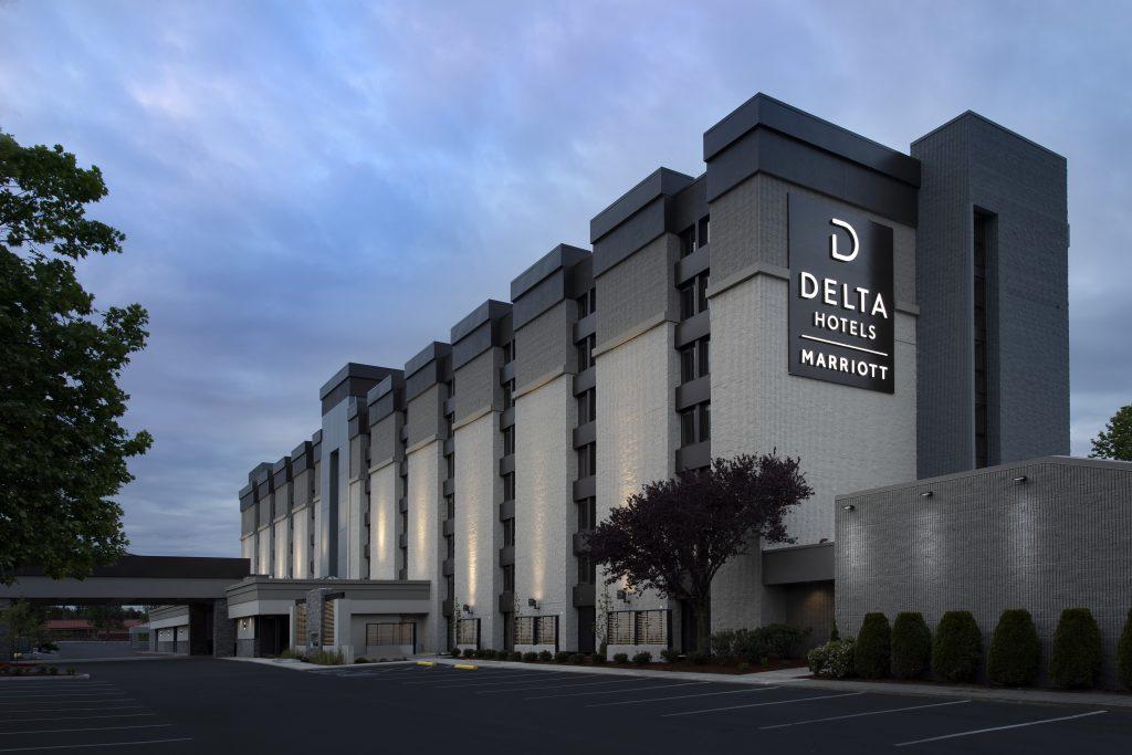 Delta Hotels Everett WA Exterior at dusk