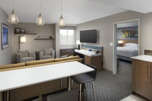 Delta Hotels by Marriott King one bed guest room