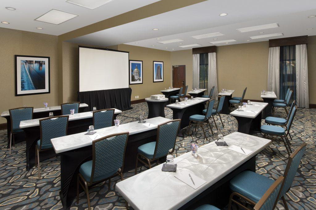 Embassy Suites Atlanta GA meeting room