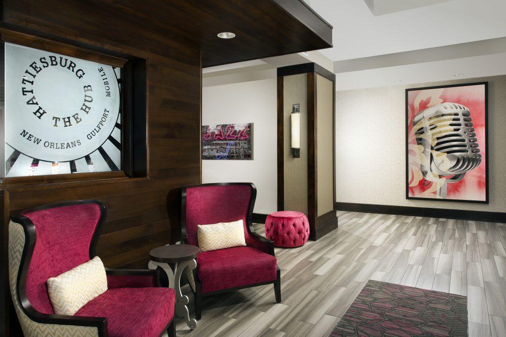 Hampton Inn and Suites Hattiesburg, MS Lobby seating