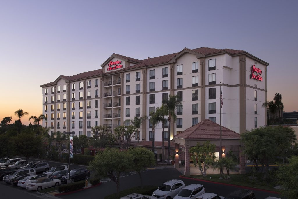 Hampton Inn and Suites Garden Grove CA Exterior dusk