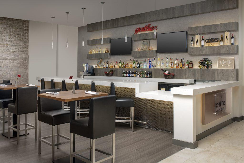 Crowne Plaza San Antonio TX bar