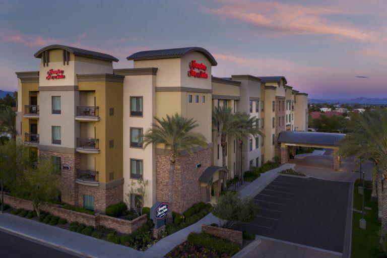 Hampton Inn and Suites Tempe AZ Exterior dusk